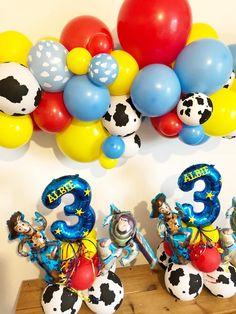 Toy Story Birthday Cake, Woody Birthday, Baby Boy 1st Birthday Party, 2nd Birthday Party Themes, Diy Birthday Decorations, Toy Story Party, Birthday Balloons, 4th Birthday, Baby Birthday Pictures