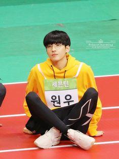 180820 at Idol Star Athletics Championship © Prince Charming Seungkwan, Mingyu, Won Woo, Seventeen Wonwoo, Adore U, Meanie, Pledis Entertainment, Prince Charming, Boyfriend Material