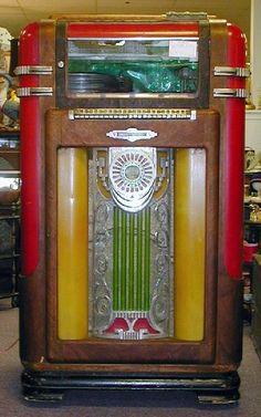 Wurlitzer Jukebox Jukebox, Rock And Roll, Antique Record Player, Radio Antigua, Radios, Music Machine, Magic Box, Soda Fountain, Record Players