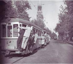 Ilyen is volt Budapest - Thököly út a Cházár András utca felé Train Art, History Photos, Weird Art, Commercial Vehicle, Budapest Hungary, Vintage Photography, Old Pictures, Historical Photos, Vintage Photos