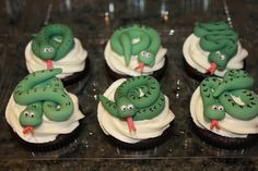 Green fondant snake cupcake toppers
