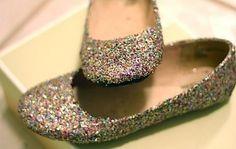 como-fazer-sapatos-com-glitter-1