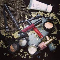 Esto es lo nuevo que voy a enseñaros en el blog dentro de poco. Es la nueva colección Vanity Avenue de ten Image, preciosa, ¿verdad?// Vanity Avenue is the new collection of ten Image, beautiful, right?  #new #makeup #makeupproducts #tenimage #vanityavenue #amazing #beautiful #cute #makeupph #beautybloggers #bblogger #instamoment #instagramers #igers #igerspain #bloggerlife #lifestyle #eyeshadowns #lipstick #nailspolishaddict #spanishblog #khimma #eltocadordekhimma #perfectpicture…