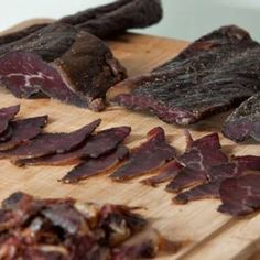 Love Biltong - We have a collection of Recipes from South Africa that are world favourites. You can make biltong, droewors and boerewors at home easily. Pate Recipes, Cooking Recipes, Aged Beef, Biltong, Healthy Food, Healthy Recipes, Time To Eat, Homesteading, Soups