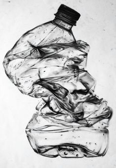 Awesome charcoal drawing of a crumpled bottle. Realistic Drawings, Art Drawings, Contour Drawings, Drawing Faces, Still Life Sketch, Bottle Drawing, Observational Drawing, Trash Art, Minimalist Drawing