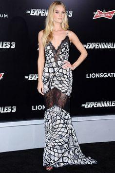 Rosie Huntington-Whiteley usou  Emilio Pucci na pré-estreia de The Expendables, em Los Angeles.