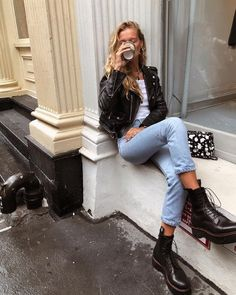 Dr Martens Outfit, Doc Martens Outfit Winter, Outfits With Doc Martens, Combat Boot Outfits, Winter Boots Outfits, Chic Outfits, Trendy Outfits, Fashion Outfits, Fashion Tips