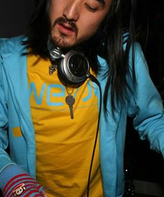 See Steve Aoki pictures, photo shoots, and listen online to the latest music. Dj Steve Aoki, Latest Music, Photo Shoots, Edm, Music Artists, Musicians, My Love, Celebrities, Winter