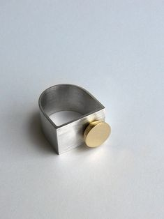 Rings Ideas : Andra Lupu silver and brass ring Minimal Jewelry, Modern Jewelry, Metal Jewelry, Jewelry Art, Jewelry Rings, Unique Jewelry, Silver Jewelry, Jewelry Design, 3d Prints