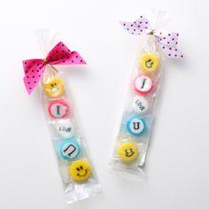 プチギフト( お菓子 ) I LOVE U キャンディ|LOUNGE WEDDINGのプチギフト Wedding Yellow, Small Gifts, My Love, Little Gifts, Stocking Stuffers