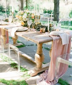 12 Inspired Summer Tablescapes: Rustic Romantic Outdoor Tablescape