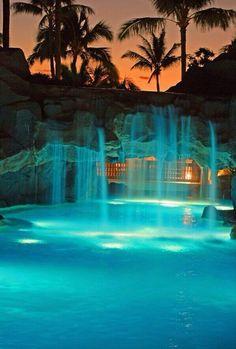 A beautiful night in Maui, Marriott, Curacao