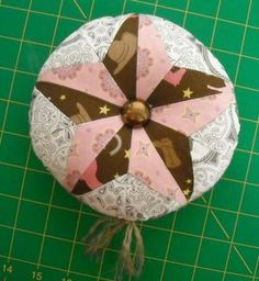 Western Star Pincushion with full pattern and tutorial. From Riley Blake Pincushion Club.