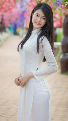 Ao Dai, Beautiful Asian Girls, Asian Beauty, Vietnam, High Neck Dress, Sexy, Dresses, Fashion, Portraits