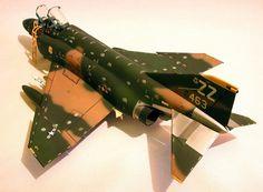 McDonnell-Douglas F-4C/D Phantom II by Roger Jackson (Monogram 1/48)