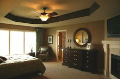 Gorgeous ceiling and stylish round mirror - plan 072S-0003 - houseplansandmore.com