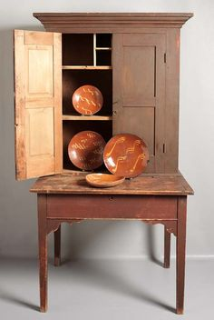 plantation desk & redware