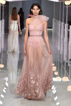 Ralph & Russo Spring 2018 Ready-to-Wear  Fashion Show Collection