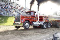 Semi Truck Pulls | ... semi truck class is found on our sister web site at www.bigrigspulling