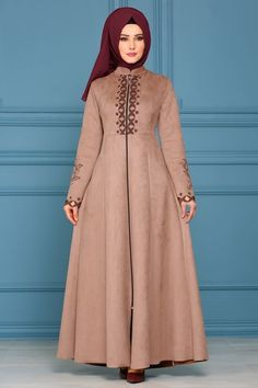 Modaselvim FERACE Lazer Detay Süet Ferace AH3173 Vizon Abaya Fashion, Muslim Fashion, Fashion Wear, Fashion Dresses, Hijab Style Dress, Hijab Chic, Ghanaian Fashion, African Fashion, Hijabi Gowns