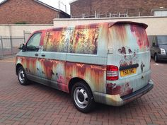 There are plenty of different ways to protect your car from theft, but one owner of a Volkswagen Transporter van decided to protect it in a novel way – by covering the new vehicle in rust-like vinyl to make it look like a hunk of junk! Vw T4, Volkswagen Transporter, Vw Volkswagen, Transporter Van, Vinyl Wrap Car, Chevy, Camouflage, Van Wrap, Vw Vintage