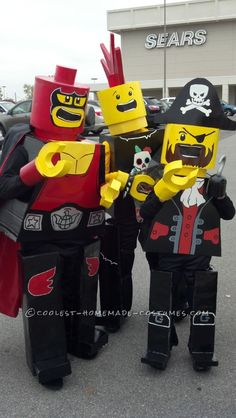 Cool LEGO Kids Group Costume... This website is the Pinterest of costumes Lego Halloween Costumes, Lego Man Costumes, Group Costumes, Halloween Costume Contest, Halloween Candy, Cool Costumes, Halloween Kids, Costume Ideas, Chic Halloween