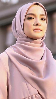 Beautiful Hijab Girl, Hijab Wear, Muslim Women Fashion, Muslim Beauty, Muslim Hijab, Arab Women, Teen Models, Girls 4, Hijab Fashion