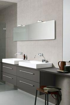 Med en lang benkeplate kan du få en fin sminkeplass på badet. Baderomsmøbelet er fra Dansani. Les mer om smart oppbevaring og praktiske løsninger på bademiljo.no! #baderom #oppbevaring Double Vanity, Sweet Home, Bathroom, Tv Stands, Home Decor Accessories, Tutorials, Washroom, House Beautiful, Full Bath