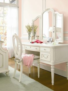 Gabriella Vanity Desk... THIS is perfect!!!!!