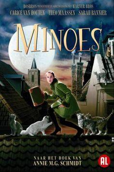 Minoes  Description: Minoes is gebaseerd op het beroemde gelijknamige boek van Annie M.G. Schmidt. Minoes is een poes maar ze ziet er uit als een mens. Ze komt in contact met Tibbe. Als journalist is hij mislukt maar de redactie geeft hem nogéén kans. Doordat Minoes met poezen kan praten kan ze veel nieuwtjes doorspelen aan Tibbe. Bijvoorbeeld over een plaatselijke weldoener meneer Ellermeet die in werkelijkheid een boosdoener is. De'kattenpersdienst'levert via Tibbe voorpaginanieuws op…