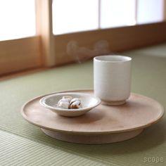 東屋 (あづまや) /  丸高盆