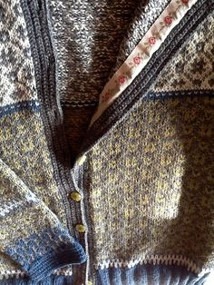 Ravelry is a community site, an organizational tool, and a yarn & pattern database for knitters and crocheters. Ravelry, Knitting Patterns, Men Sweater, Crochet, Sweaters, Jackets, Fashion, Tricot, Down Jackets