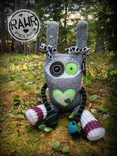 RAWR Sock Creature – Green by rawrcreatures on Etsy https://www.etsy.com/ca/listing/295297849/rawr-sock-creature-green