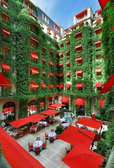 Hoteles urbanos del mundo: Plaza Athénée (París)