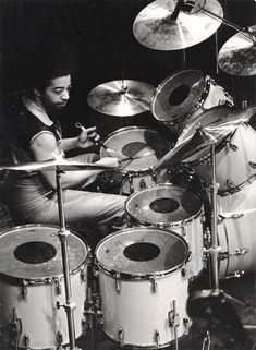 Tony Williams: The Game Changer Since the world's most widely read drum magazine: in print, online, and the Modern Drummer app. Where the world's greatest drummer meet. Jazz Artists, Jazz Musicians, Music Artists, Famous Artists, Steve Gadd, Sheila E, Gretsch Drums, Vintage Drums, Drummer Boy