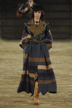 Chanel Pre-Fall 2014 -Cozy, big coat!