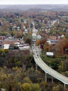 Guernsey County Courthouse and Southgate Parkway bridge in Cambridge, OH.