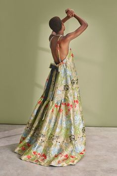Rochas Resort 2019 Fashion Show Collection: See the complete Rochas Resort 2019 collection. Look 26 Vogue Fashion, High Fashion, Baggy Dresses, Linen Dresses, Evening Dresses, Summer Dresses, Jacquard Dress, Vogue Russia, Fashion Show Collection