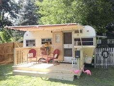 caravan hacks 840062136732374685 - Living Simply: Part 1 – Vintage Trailers – The past few months, I've been researching ways that I could live more cheaply. As cheaply as is – Source by Travel Trailer Storage, Travel Trailer Living, Travel Trailer Decor, Travel Trailer Camping, Rv Travel, Time Travel, Vintage Campers Trailers, Retro Campers, Vintage Caravans