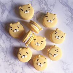 cute yellow bear macarons