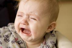 Cum calmam plansul bebelusului ? -->> http://sfaturi-medicale.info/cum-calmam-plansul-bebelusului/