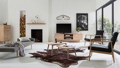 Lowboard, Couchtische und Co. unserer Kollektion 'Finsby' entsprechen dem dänischen Möbeldesign: Formen im 60er-Retro-Look und helle Buche für den modernen Einfluss