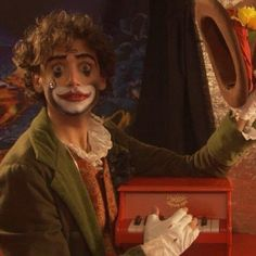 Mika clown for Louboutin mini-film Bae, Grace Kelly, Character Inspiration, Youtube, Piano, Glitter, Film, Videos, People