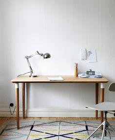 Ikea PS 2014 rug, Hilver desk and desk lamp Ikea Ps 2014, Ikea Inspiration, Workspace Inspiration, Table Ikea, Ikea Desk, Table Bar, Table Desk, Office Table, Home Office Design