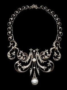 A diamond necklace total weight c. 20 ct
