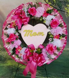 Pink Wreath, Lavender Wreath, Floral Wreath, Funeral Flower Arrangements, Funeral Flowers, Floral Arrangements, Flower Colouring In, Corona Floral, Cemetery Decorations