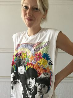 Rad People: Tessa Perlow - Rad Shirt - Ideas of Rad Shirt - Tessa Perlow Shirt Embroidery, Embroidery Fashion, Embroidery Stitches, Embroidery Designs, Lesage, Embroidery Supplies, Embroidered Clothes, Facon, Diy Clothes