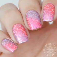 Nail Acrylic Spring Break Break nails a… - Thunder. White Summer Nails, Spring Nails, Simple Nail Art Designs, Cute Nail Designs, Nail Art Cute, Spring Break, Mermaid Nail Art, Mermaid Makeup, Unicorn Nails Designs