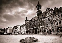 Grand-Place de Mons en noir et blanc, Grégory Mathelot