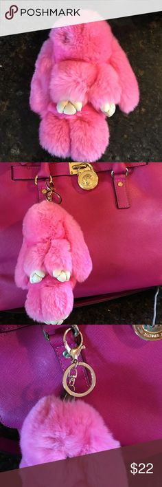 This faux fur Pom Pom like fluffy bunny is adorable! Faux leather paws and under ears. Bunny is approx in length! Too cute! Pastel Style, Fluffy Bunny, Pastel Fashion, Faux Fur Pom Pom, Key Card Holder, Hermes Kelly, Pretty In Pink, Ears, Handbags